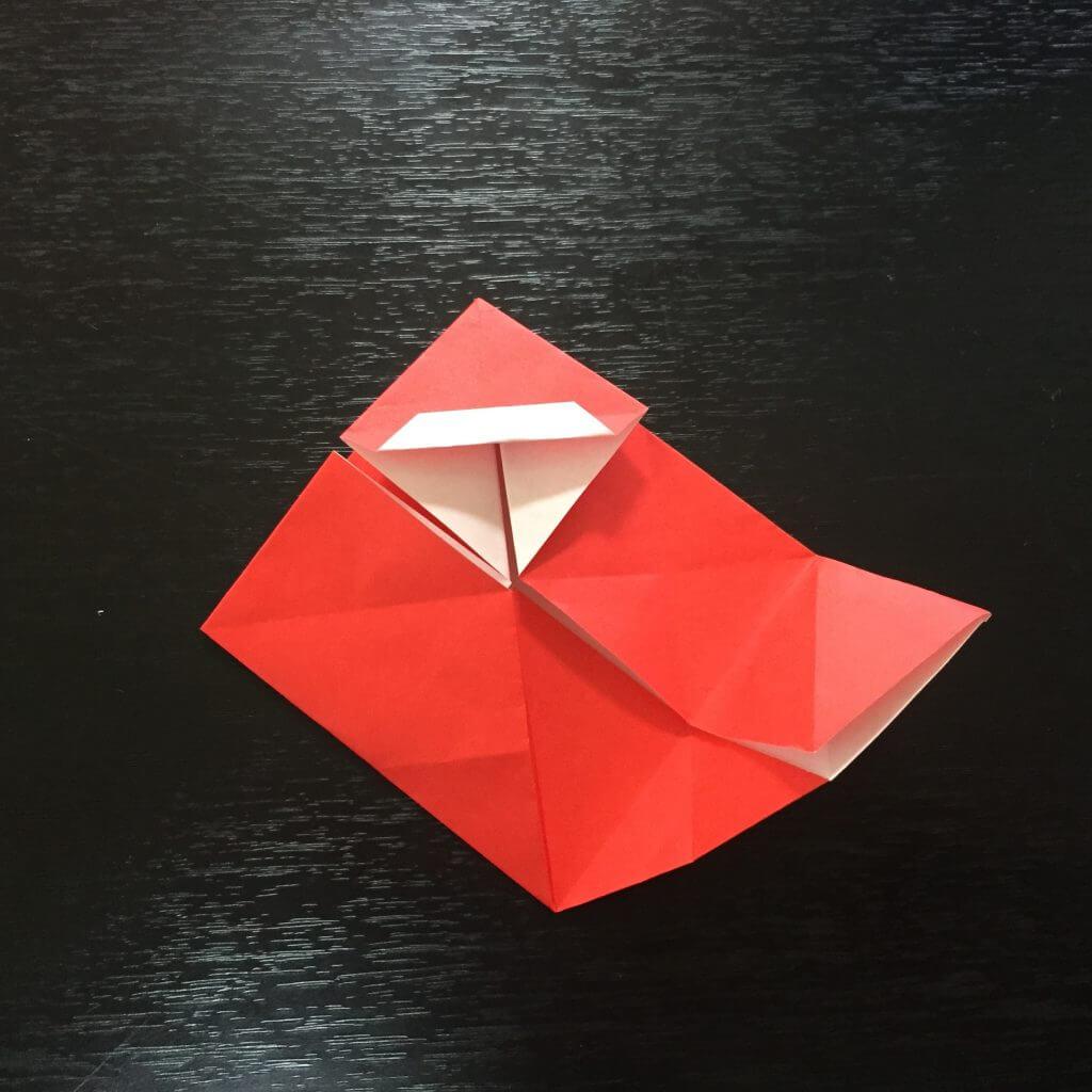 サンタクロースの簡単な折り方手順16