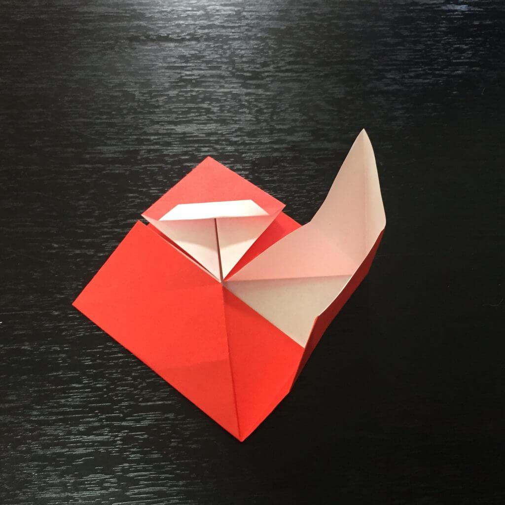 サンタクロースの簡単な折り方手順17