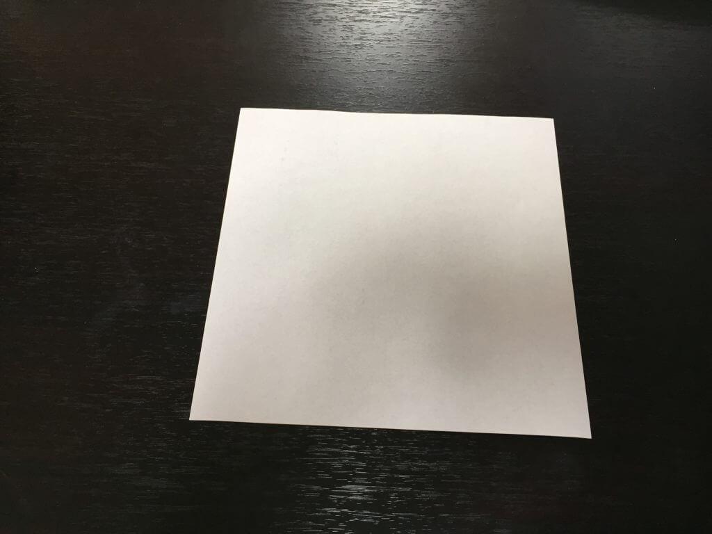 折り紙で簡単なハートの折り方手順1