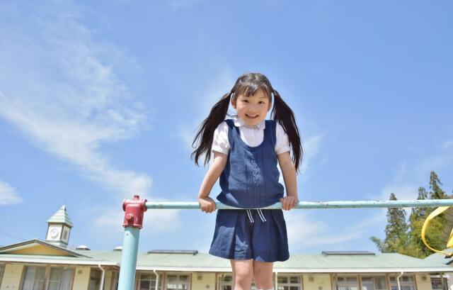 鉄棒が大好きに!5歳の幼児でも逆上がりが楽しくできる教え方♪コツと練習法はコレ
