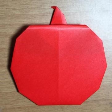りんごの折り紙!園児でも作れる簡単な折り方は?お手紙にしよう~