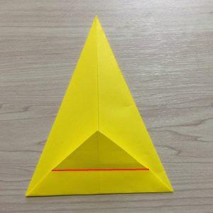 折り紙で作るクリスマス飾りの簡単なベルの折り方