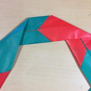 2色で作る折り紙で簡単なクリスマスリース