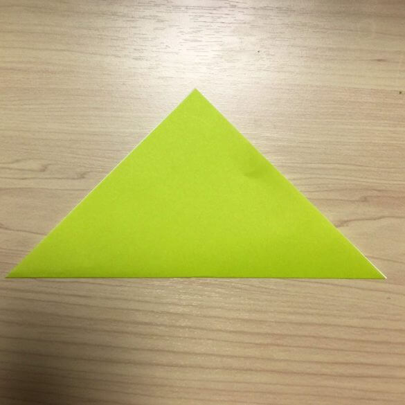 折り紙で子供と作る簡単なクリスマスツリー