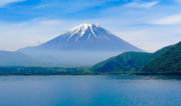 富士山の頂上や五合目の高さは?大きさの秘密・教えます♪