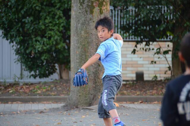 キャッチボール練習法のコツ捕り方