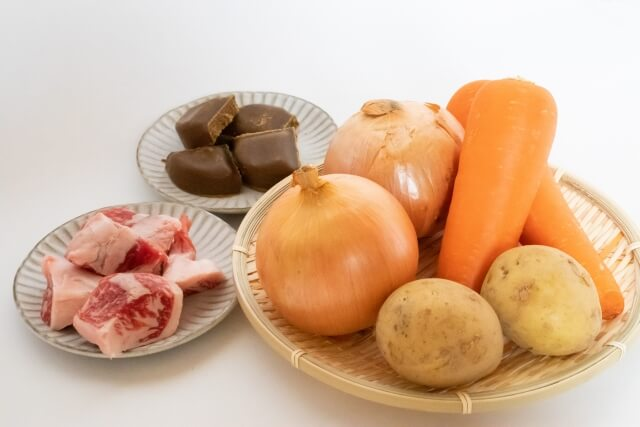 カレー シチュー とろみ 野菜 つかない 水っぽい シャバシャバ