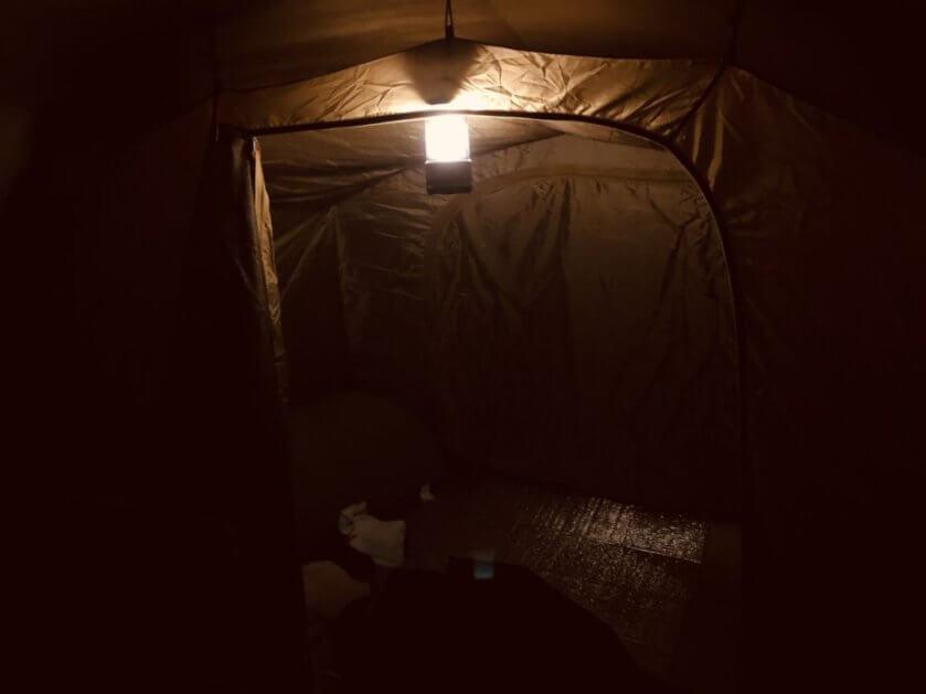 コールマンバッテリーガードLEDランタン75寝室全体
