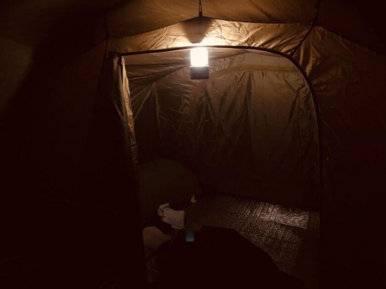 コールマンバッテリーガードLEDランタン250寝室全体の明るさ