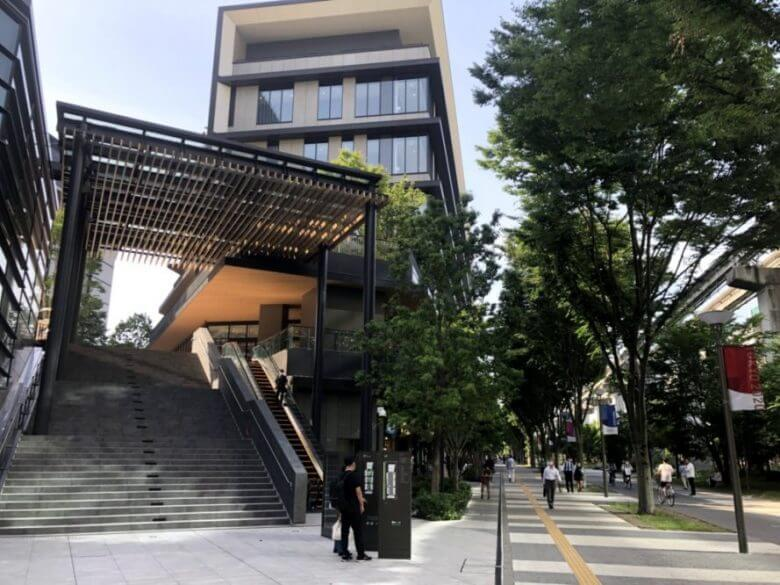 グリーンスプリングス入り口の階段